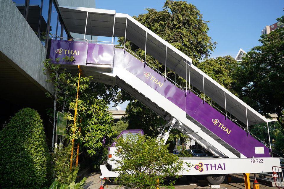 У Таїланді відкрили ресторан для тих, хто скучив за авіаподорожами