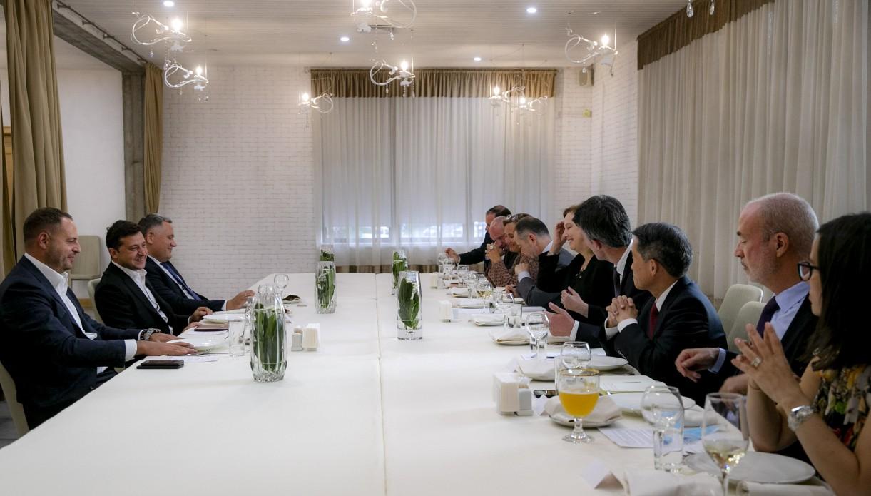 Зеленський зустрівся з послами країн G7 та Європейського Союзу
