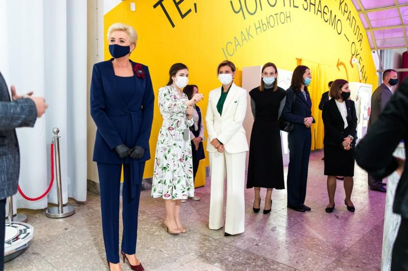 Перші леді України та Польщі побували в Музеї науки МАН України