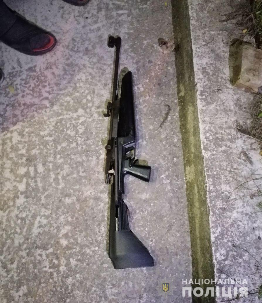 У Запоріжжі стріляли в машину кандидата в депутати міськради