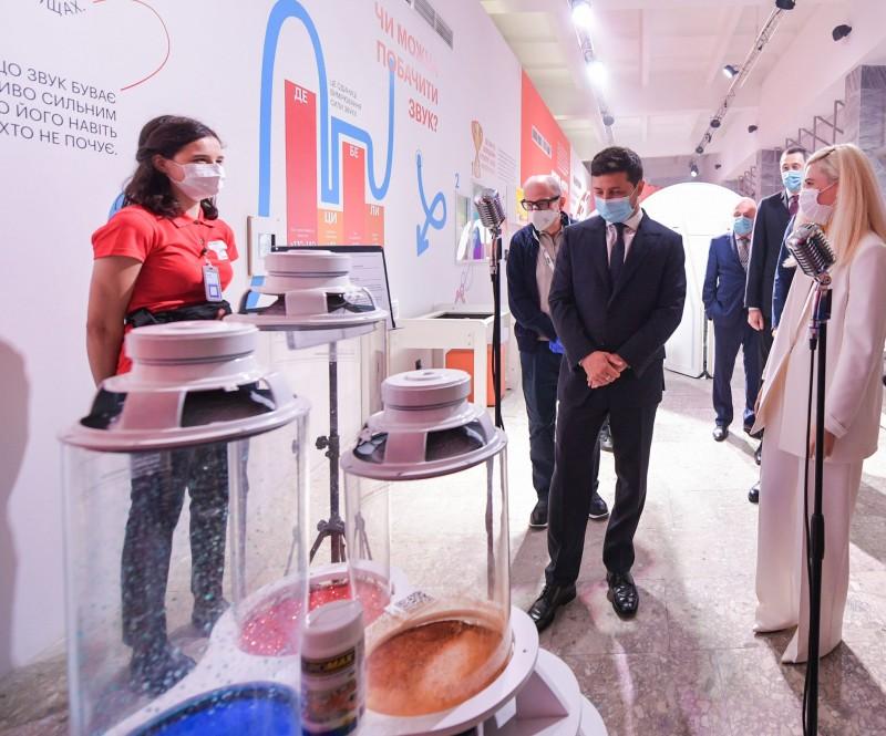 У Києві офіційно відкрили державний Музей науки: фото