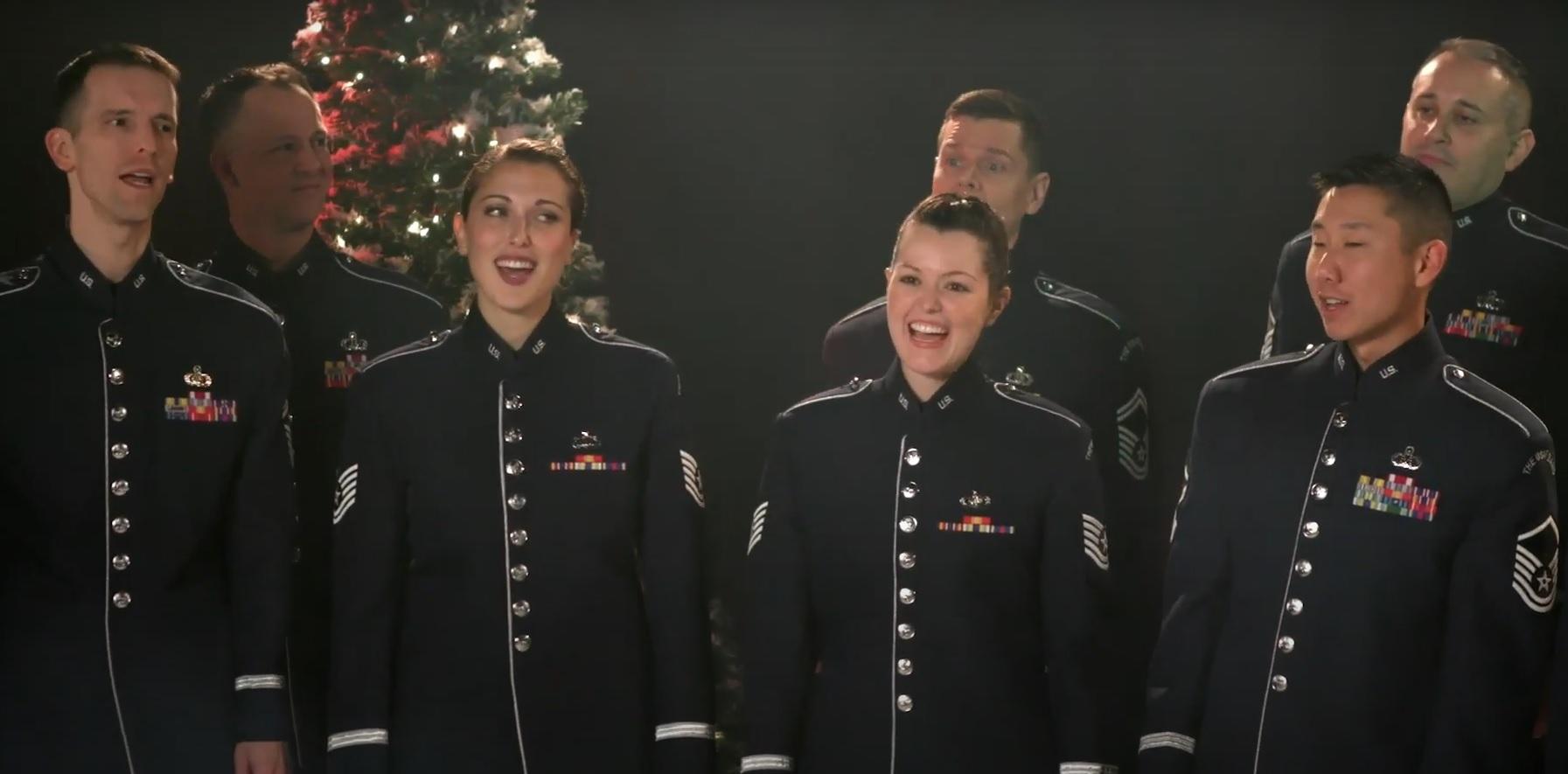 Оркестр ВПС США виконав українську колядку