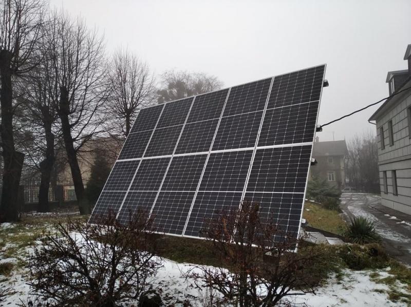 Сонячна батарея для лабораторії ЧНУ