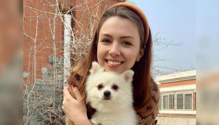 Девочка, которая отказалась бросать свою собаку в Ухане