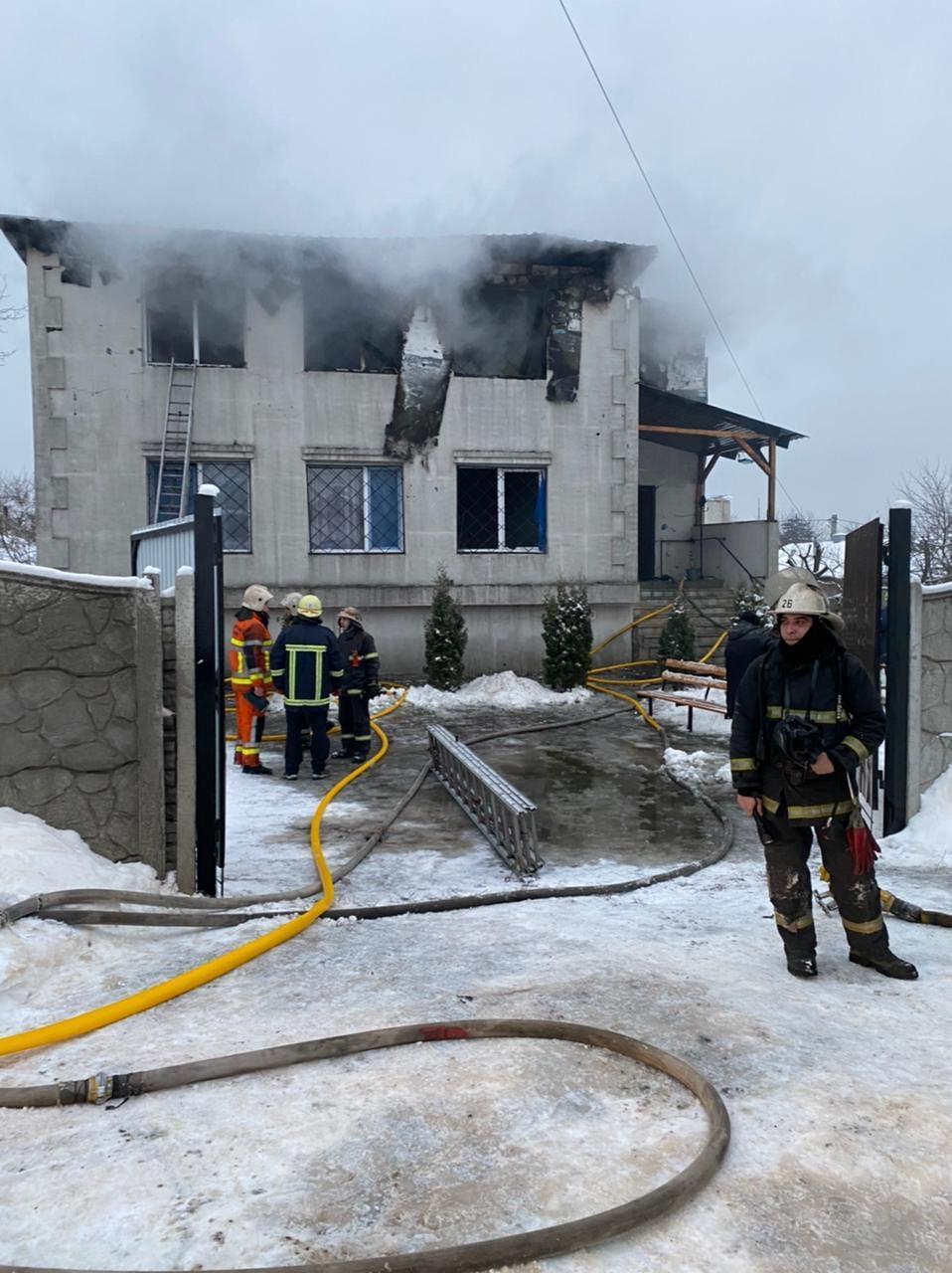 Зеленський відреагував на пожежу в будинку для літніх людей у Харкові