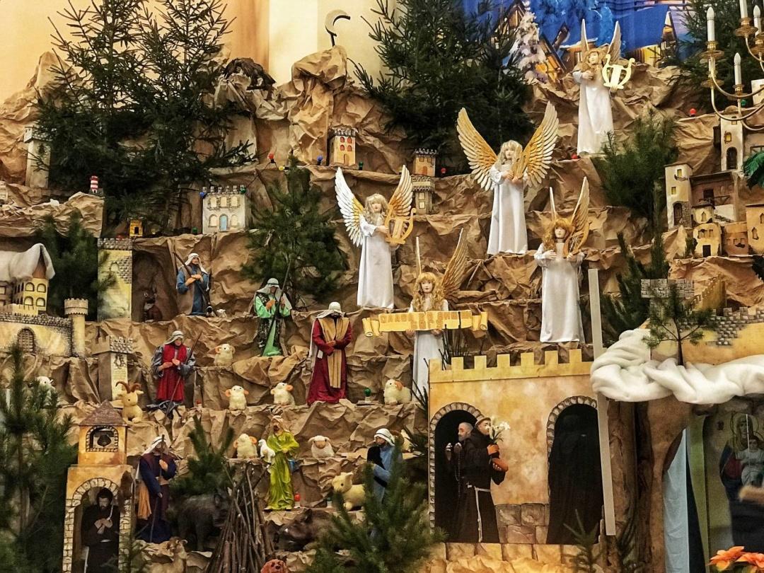 У Тернополі відкрили найбільшу в Україні Різдвяну шопку