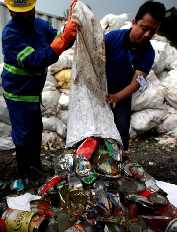 Непал перетворить туристичне сміття з Евересту на артінсталяцію