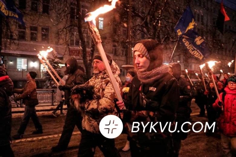 У Києві відбулася смолоскипна хода в пам'ять про героїв Крут