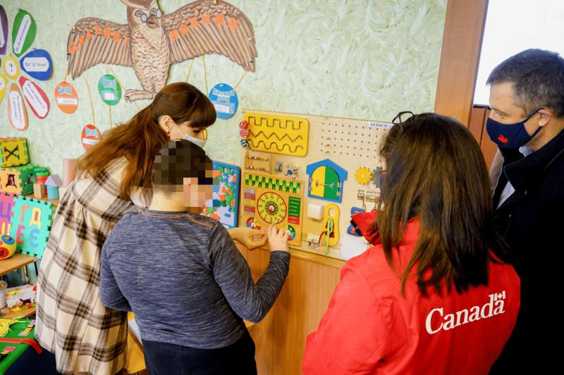 Омбудсмен на Житомирщині перевірив результати впровадження реформи інтернатних закладів
