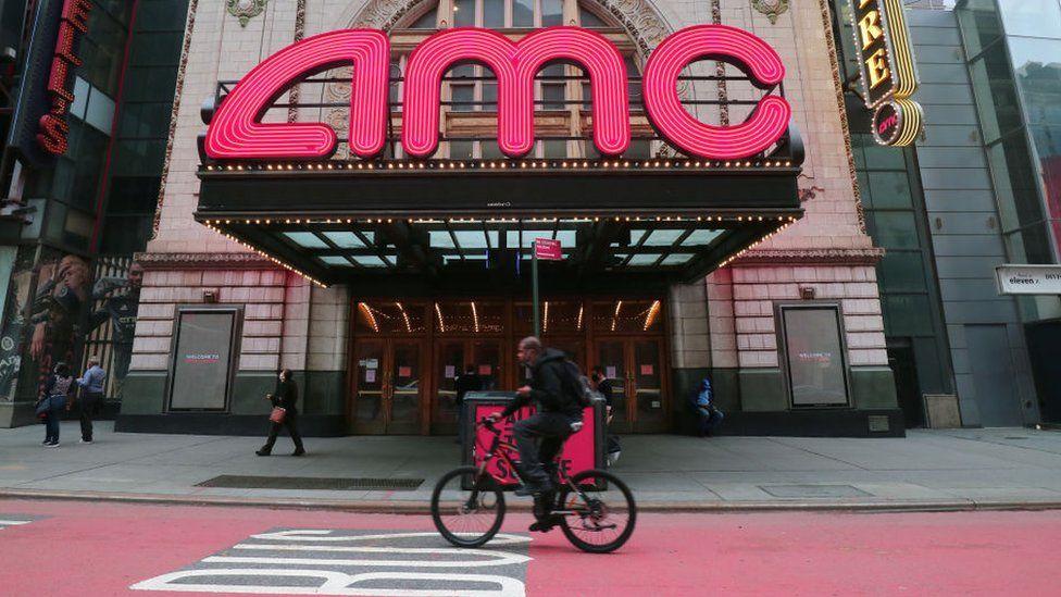 У Кореї кінотеатри почали здавати зали в оренду геймерам, щоб впоратися зі збитками