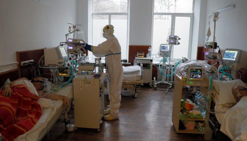 В Україні продовжує збільшуватись кількість хворих на коронавірус
