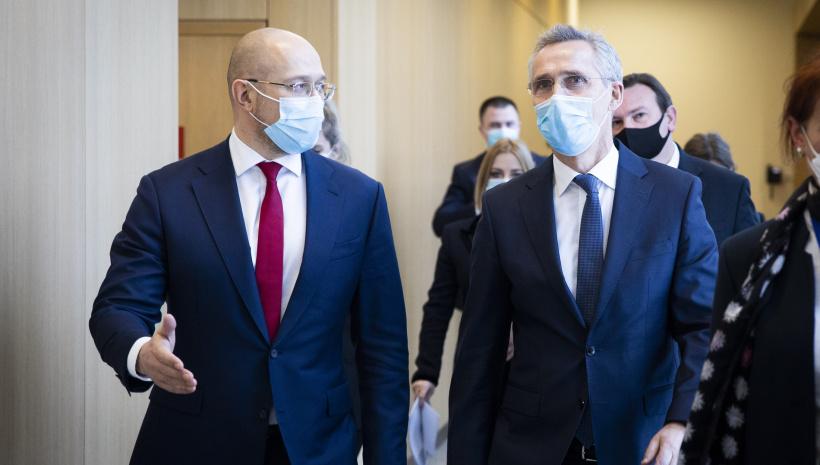 Шмигаль зустрівся зі Столтенбергом: розраховує на ПДЧ для України