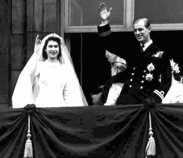 Принц Чарльз одружився з Єлизаветою