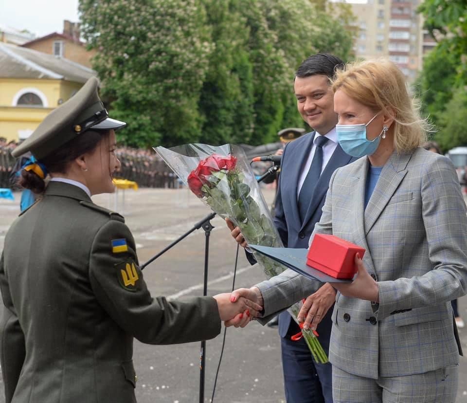 Перший випуск дівчат-ліцеїстом з Богуна