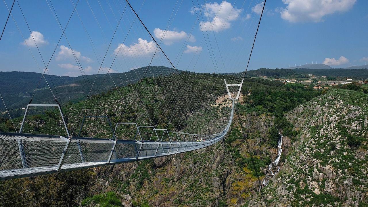У Португалії найдовший у світі підвісний міст1