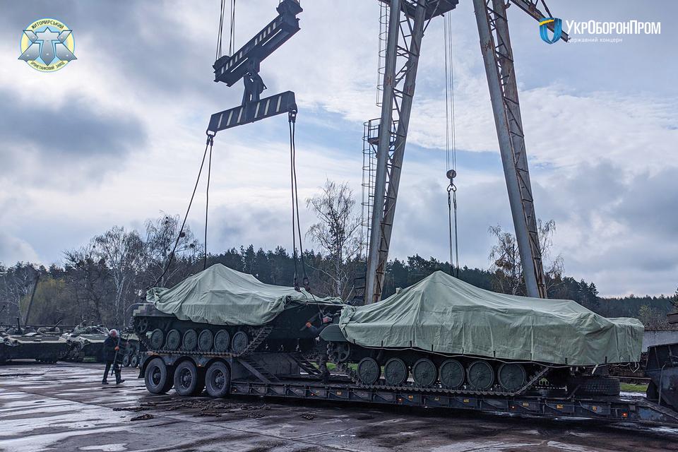 Житомирський бронетанковий достроково передав армії партію БМП-2