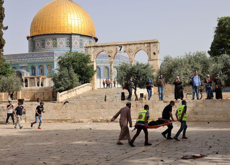 священною для мусульман мечеттю Аль-Акса