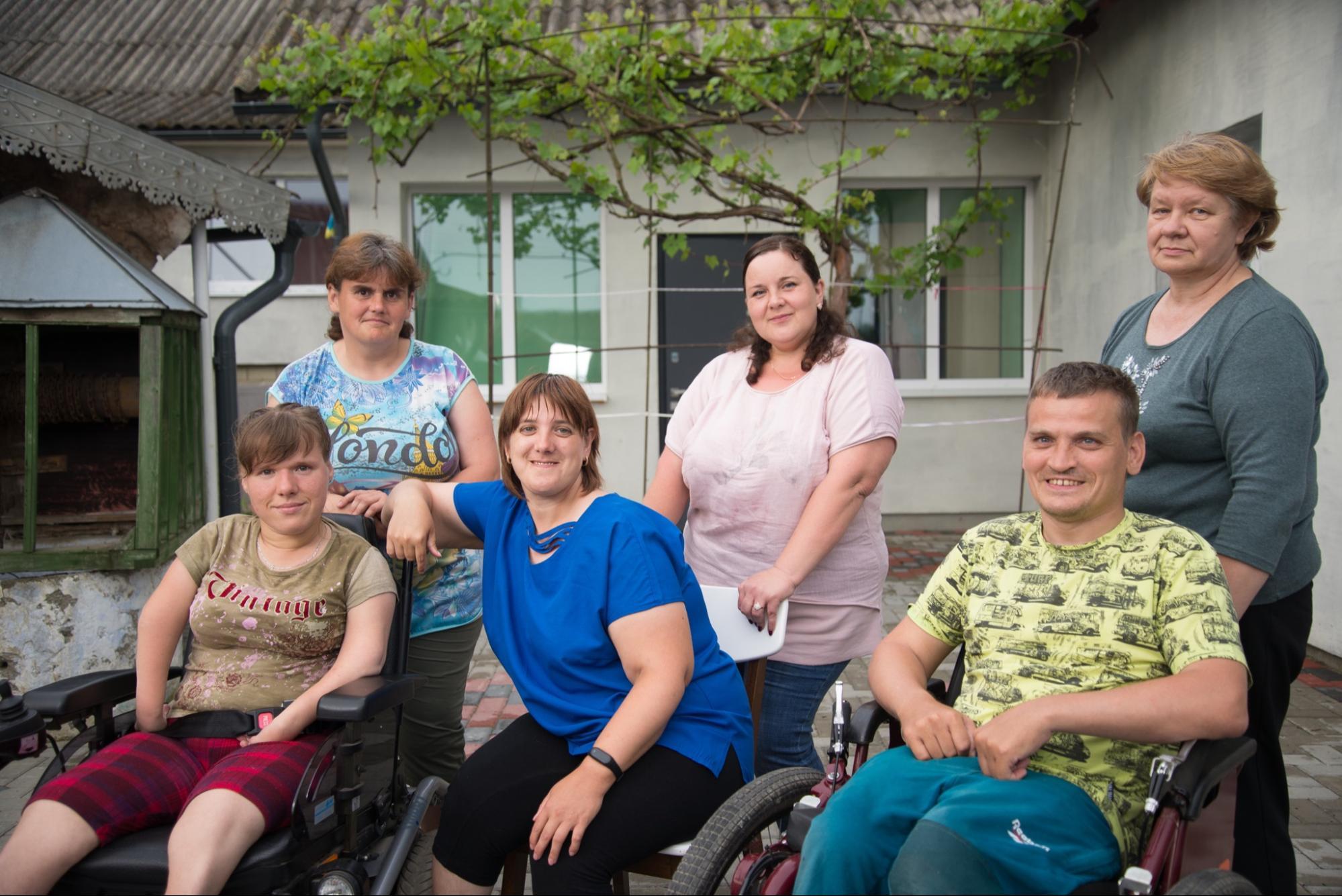 як Івано-Франківські волонтери вирішують проблеми сирітства