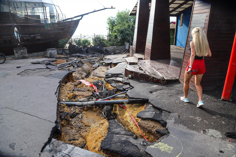 В Одесі злива затопила кілька вулиць