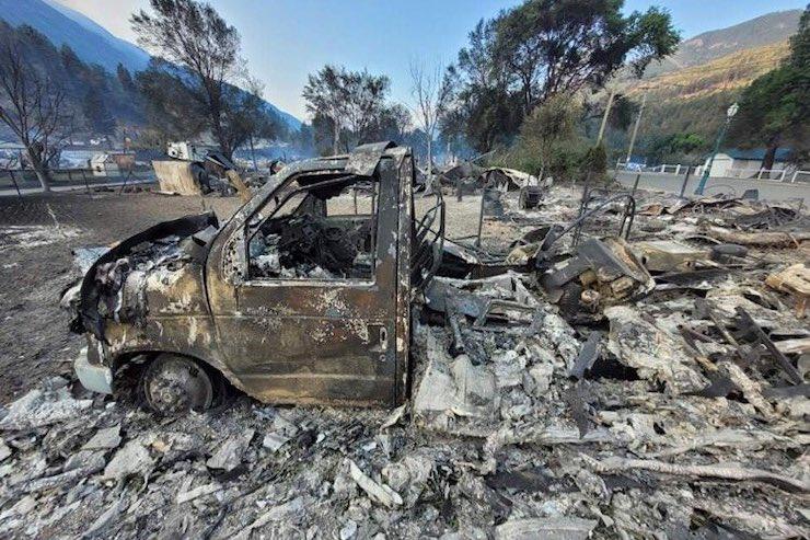 Пожежа знищила канадське село Літтон