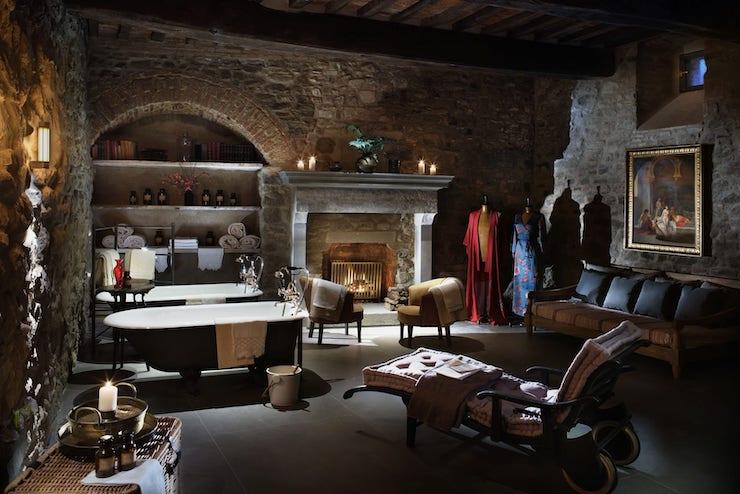 В Італії тисячолітній замок перетворили на готель