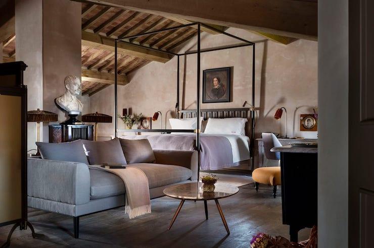 В Італії тисячолітній замок перетворили на готель12