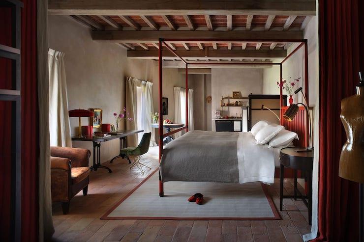В Італії тисячолітній замок перетворили на готель4