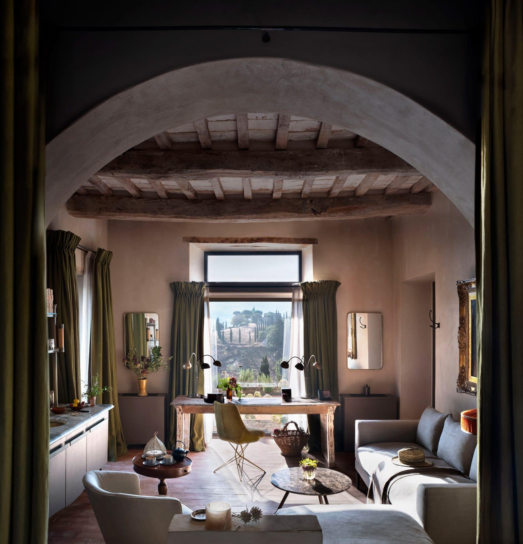 В Італії тисячолітній замок перетворили на готель5