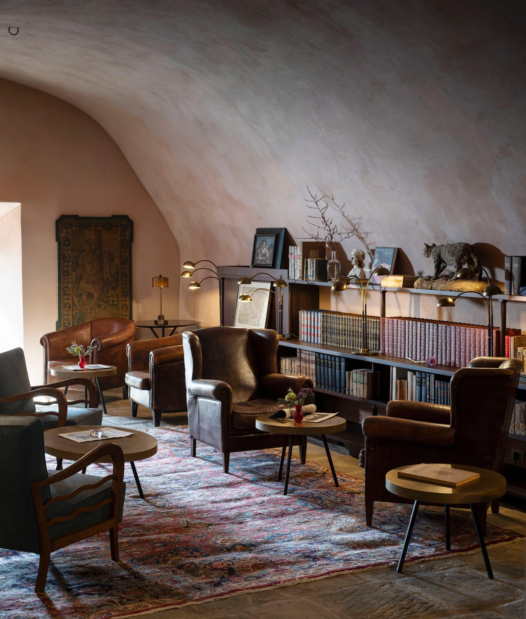 В Італії тисячолітній замок перетворили на готель7