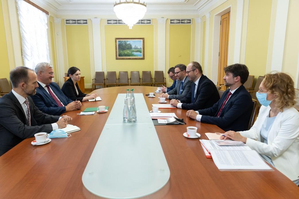 Заступник Єрмака зустрівся з делегацією Польщі1