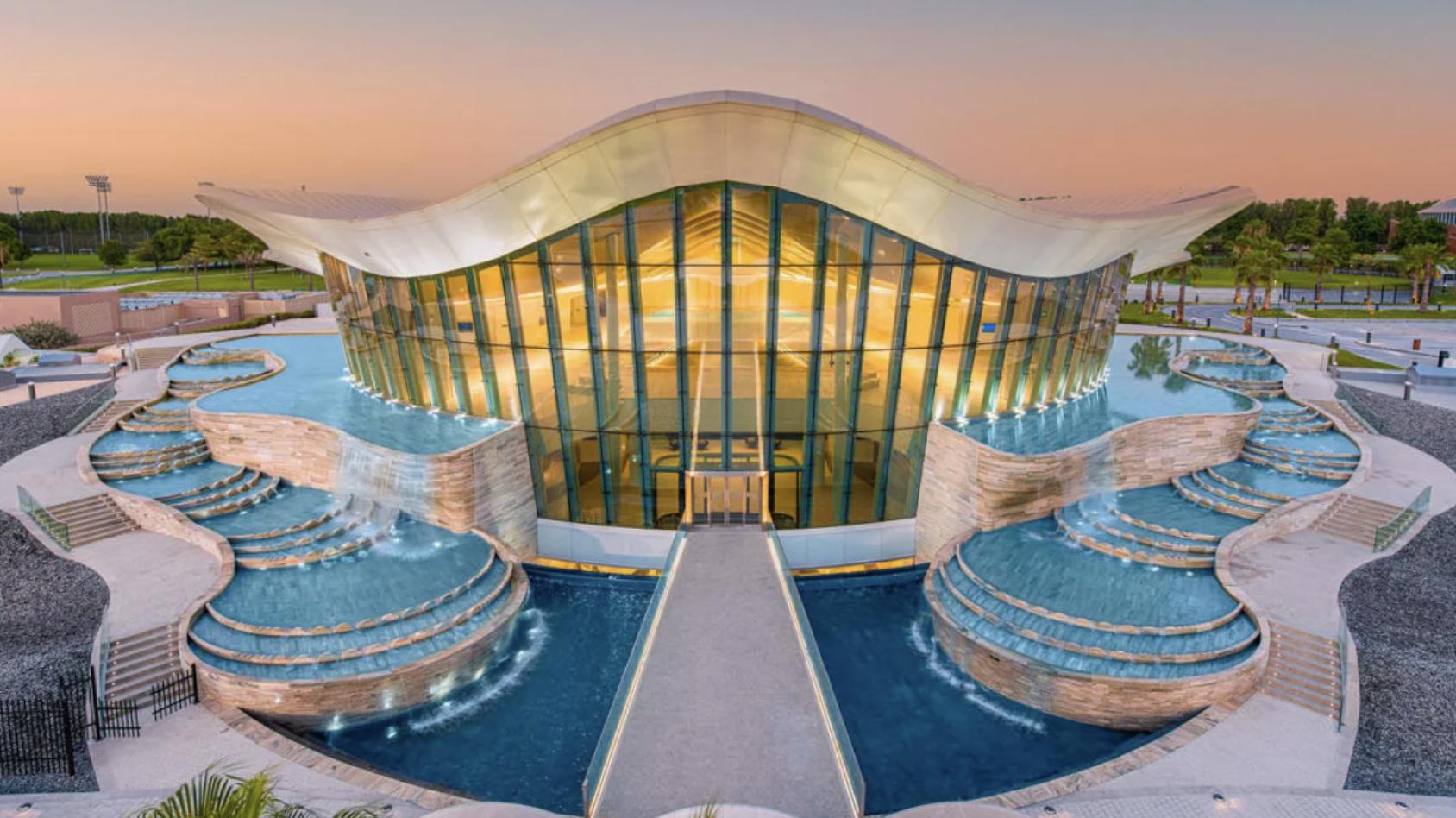 У Дубаї відкрили найглибший у світі басейн для дайвінгу з величезним підводним містом
