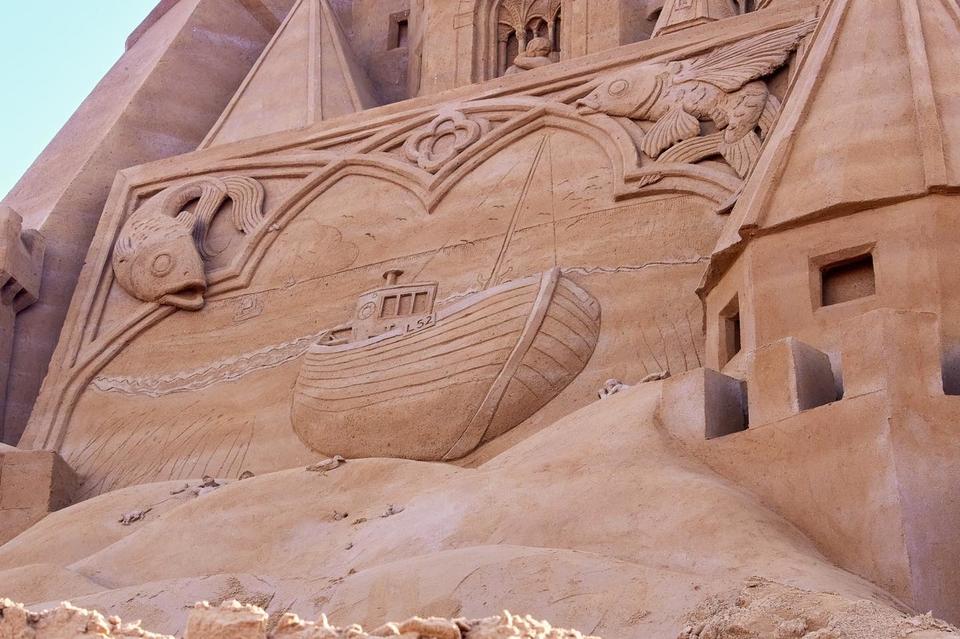 У Данії створили замок із піску висотою в рекордні понад 21 метр