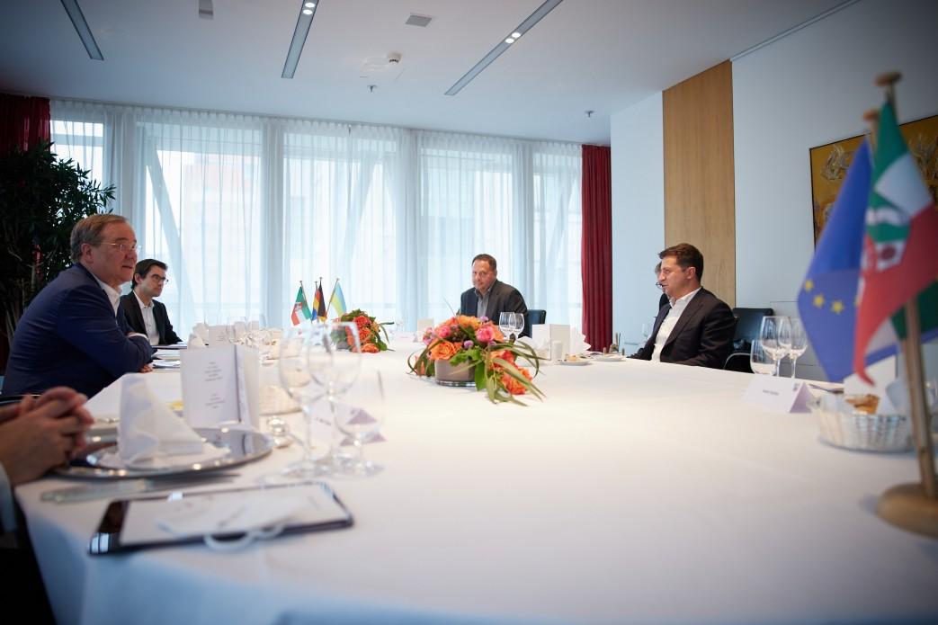 Президент України в Берліні зустрівся з Прем'єр-міністром федеральної землі Північний Рейн-Вестфалія, головою партії ХДС