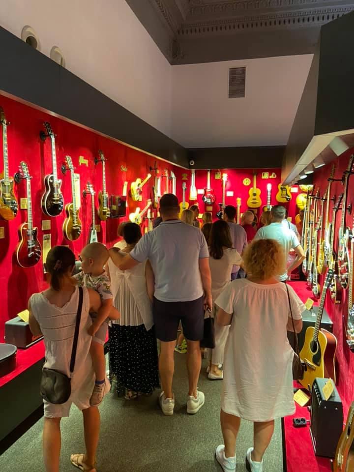 Музей електрогітар