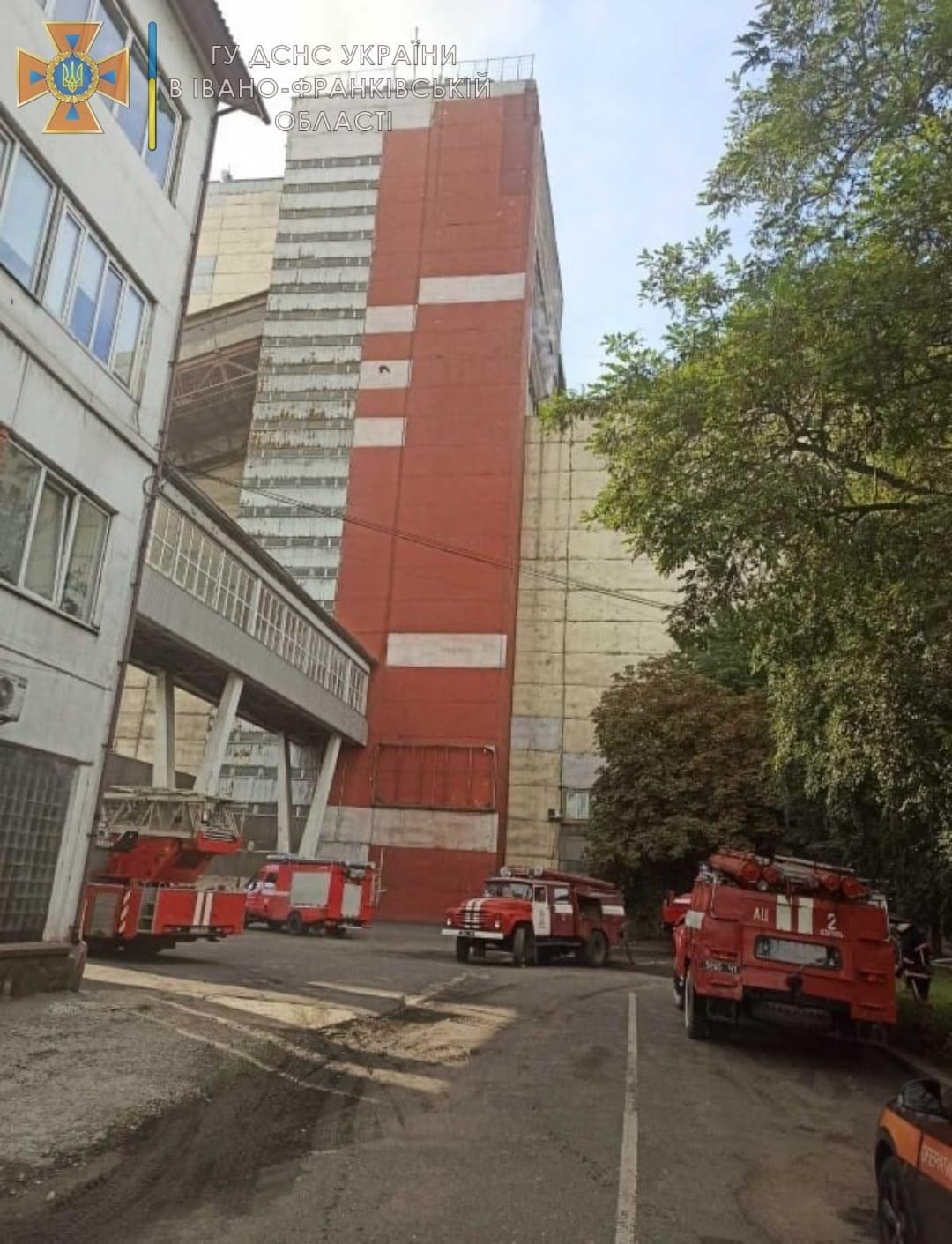 На Бурштинській ТЕС виникла масштабна пожежа