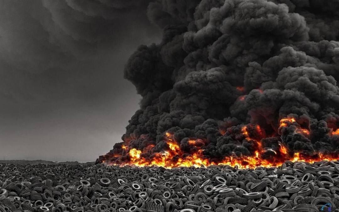 У Кувейті горіло найбільше у світі звалище покришок2