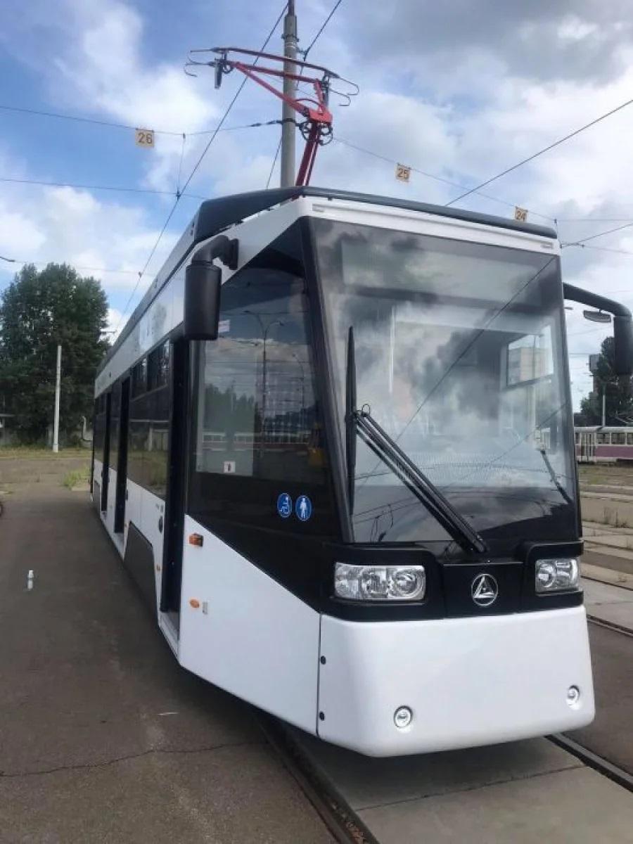 У Києві тестують новий трамвай Еталон