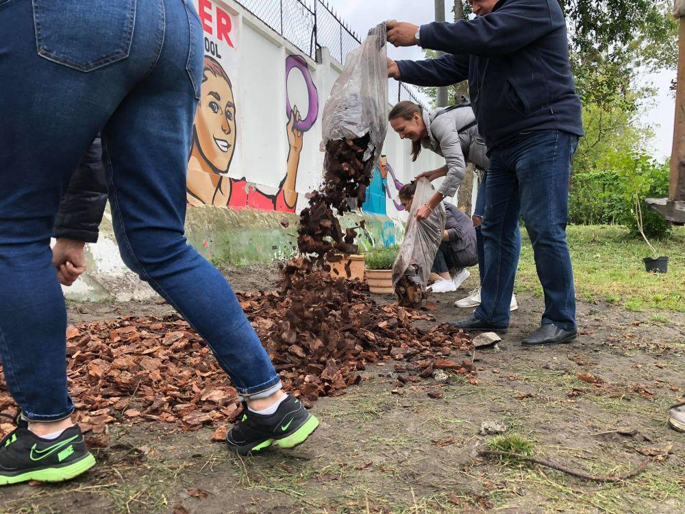 У Львові створюють перший в Україні сенсорний сад для собак