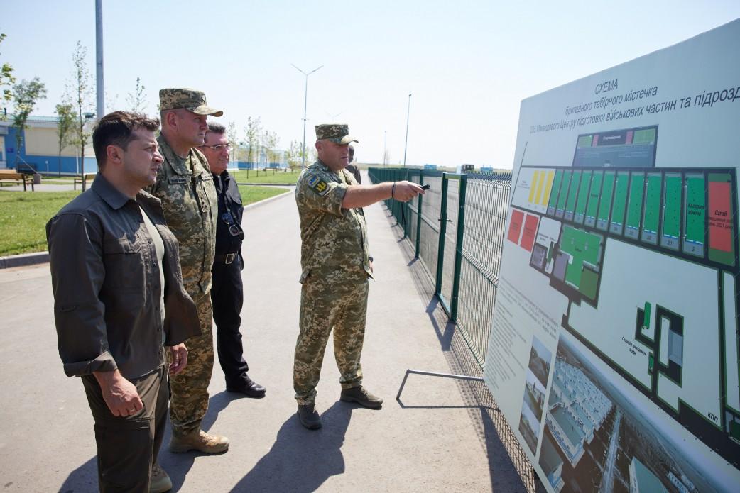Зеленський відвідав масштабні військові навчання