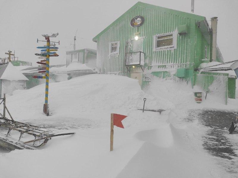 в Антарктиду прийшла зима