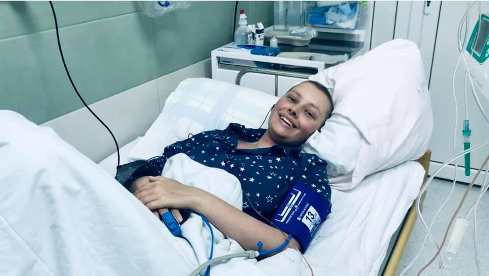 Еліна, яка стала першою в Україні дорослою пацієнткою, якій пересадили кістковий мозок від неродинного донора