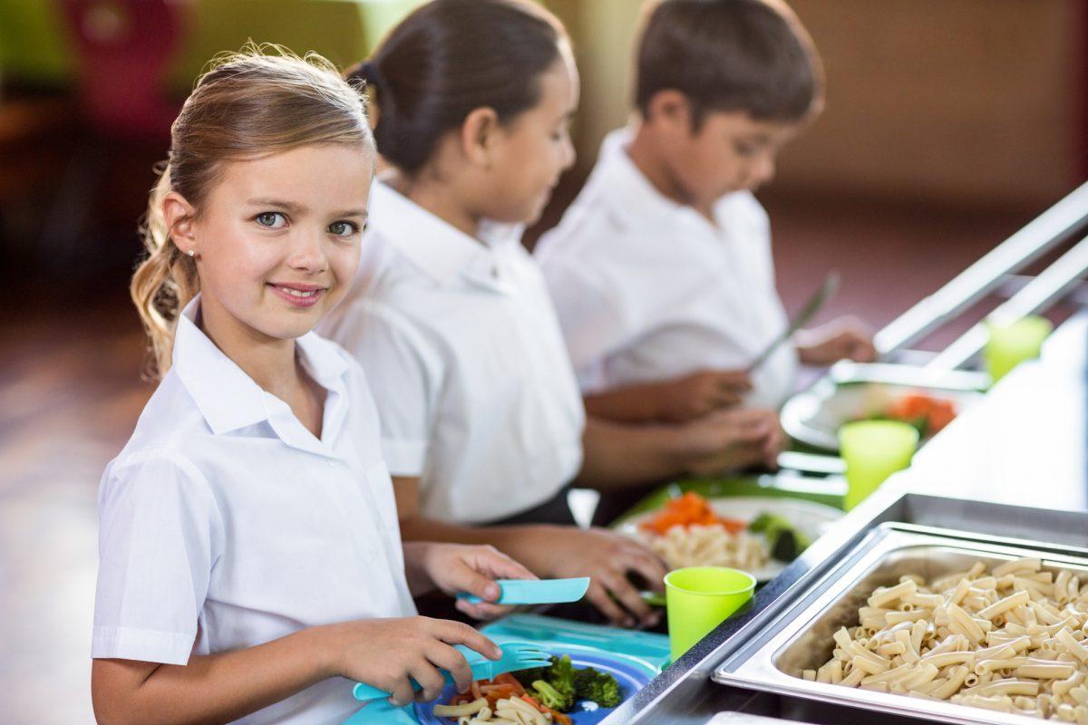 Реформа шкільного харчування: як зробити корисну їжу смачною для учнів?