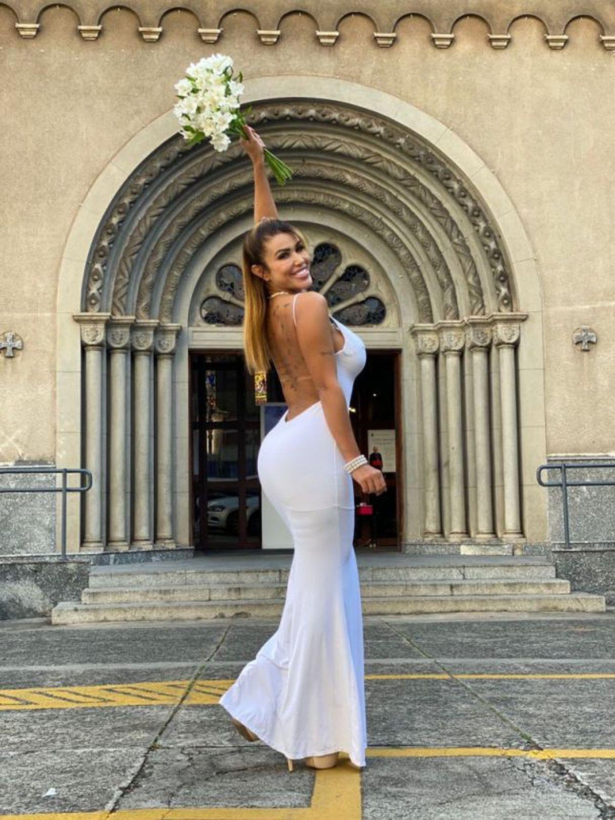 У Бразилії жінка вийшла за себе заміж і незабаром вирушить у медовий місяць