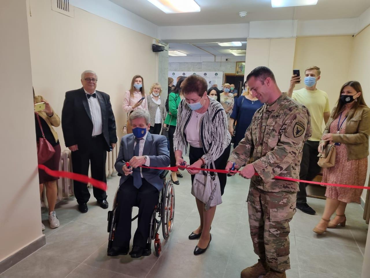 США надали $90 тисяч для реконструкції центру реабілітації дітей у Києві: фото